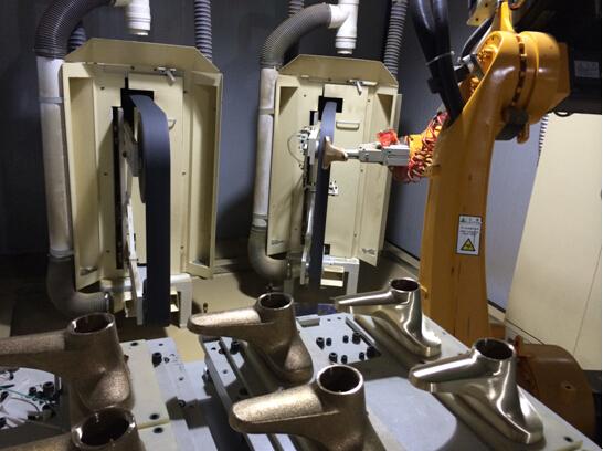 新鹏机器人水龙头抛光打磨工作站